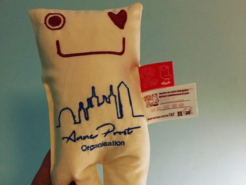 mascotte pléplo - réalisation Anne prost Organisation